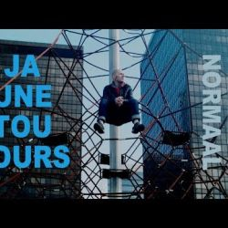 music video for JAUNE TOUJOURS 'Alles Normaal'